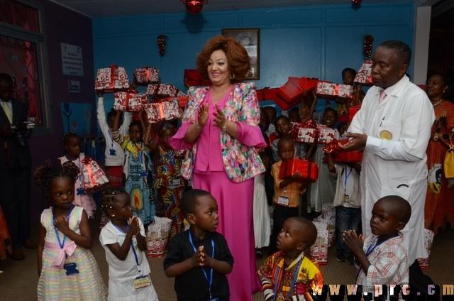 Cérémonie de l'arbre de Noël à la Fondation Chantal BIYA (15)